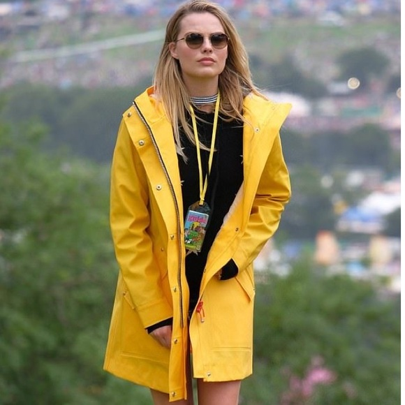 autumn shoes cheap clearance sale London Fog• Classic Yellow Rain Coat Trench